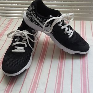 Nike Flexexperience RN 5 Lace-Up Sneakers   U362